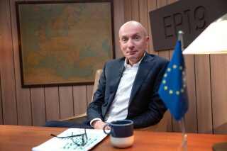 Også Ask Rostrup besøg af kandidater i løbet af valgkampen. Det var dem, der stillede op til Europaparlamentsvalget. Han havde i sit program 'Ask og kandidaterne' selskab af forskellige af valgets spidskandidater, og sammen gjorde de seerne klogere på EP-valget den 26. maj.