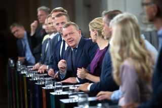 Den 7. maj startede valgdækningen for alvor, da statsminister Lars Løkke Rasmussen trykkede på den meget omtalte valgknap. Den første partilederdebat ved folketingsvalget blev sendt på DR1 fra Christiansborg samme aften.
