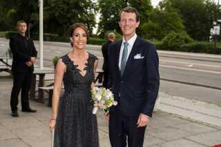Prins Joachim til fødselsdagskoncerten i mandags. Ved siden af ham prinsesse Marie.