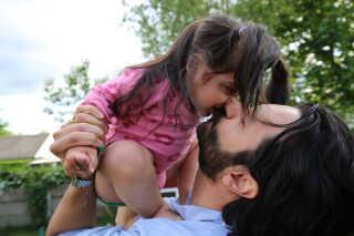 I dag er Ercan Alici far til tre piger. Spørgsmålet om omskæring har derfor ikke været på tale.