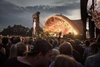 Festivalpladsen ved Orange Scene var proppt under Paul McCartney koncert.