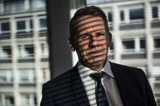 Direktør for Særlig Kontrol i Skattestyrelsen Steen Bechmann Jacobsen står i spidsen for den danske stats fremfærd mod de udenlandske ansvarlige for udbyttesagen. Knap 500 personer og selskaber har modtaget en stævning fra den danske stat.