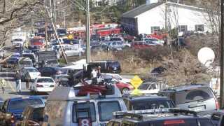 Scene fra skolen, hvor flere - blandt andet børn - meldes dræbt