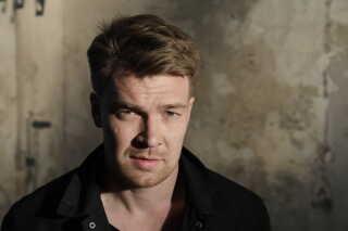 Som 17-årig flyttede Thomas alene til Danmark for at gå på Team Danmark-linjen på Vejle Handelsskole. Hans forældre, der begge er danskere, blev boende i Irland, hvor Thomas er vokset op, et par år mere, men bor i dag i Danmark.