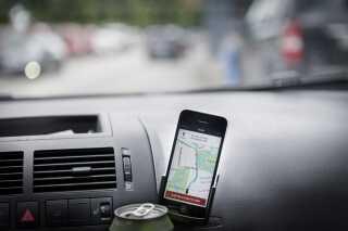 I november sidste år stadfæstede Landsretten dommen fra byretten, der slog fast,a t det er ulovligt at køre som chauffør for Uber i Danmark. Tjenesten er dog stadig aktiv.