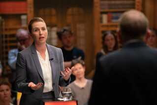 Statsminister Lars Løkke Rasmussen og Socialdemokratiets formand Mette Frederiksen mødtes til den sidste og afgørende duel før valget. Det skete søndag den 2. juni.