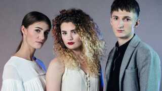 Mille (i midten) udgør sammen med Kathrine og Andreas Thomas Blachmans nye trio Place on Earth.