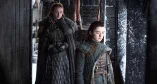 Arya, der aldrig har ønsket at være en lady, stak til søs, og Sansa er nu dronning i Norden efter flere hårde sæsoner.