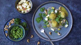 Boller i karry med cashewnødder og grønt