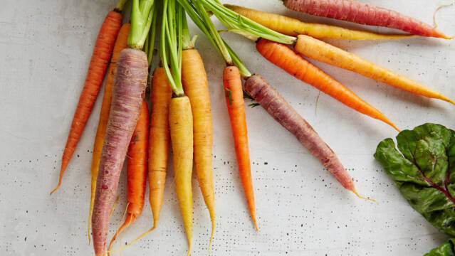 Farverige gulerødder