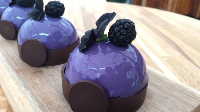 Brombær-bomber dessert