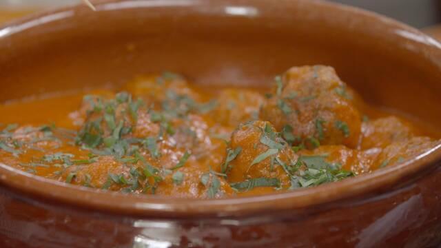 Tiramisu -italiensk dessert - opskrift   Spise med Price   Mad   DR
