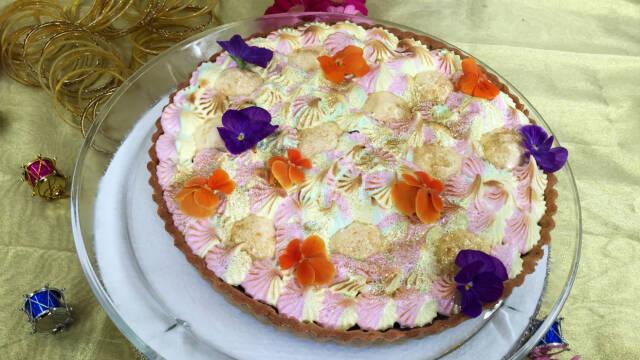 Tærte med aroniabær og pistaciemørdej