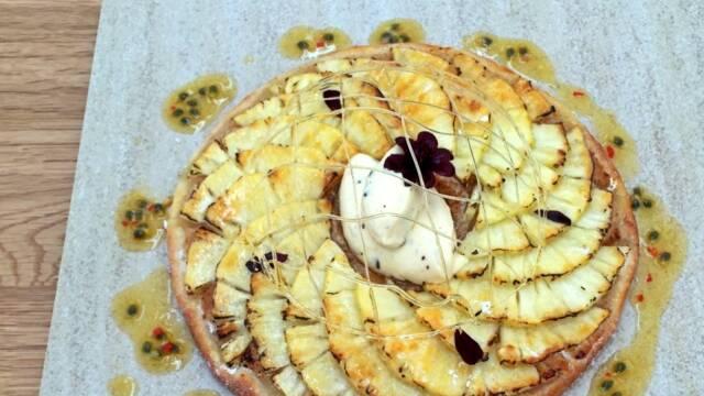 Smuk kage med ananas