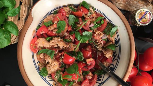 Salat med brød - italiensk panzanella