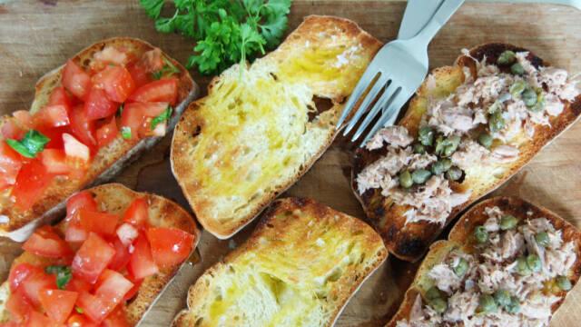 Ristet italiensk brød med tre slags fyld