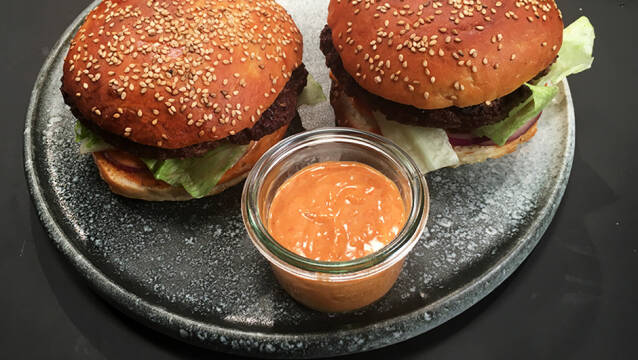 Burgerdressing og burgere