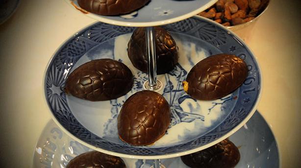 Billede af Chokolade-skildpadder med rom-creme