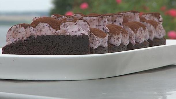 Billede af chokoladekage med blåbær