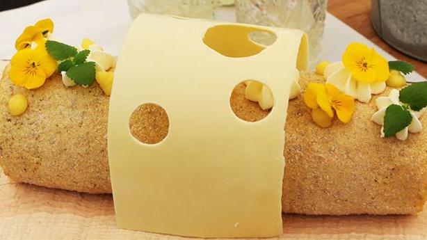 Lakrids- og citronroulade med hvid chokolade