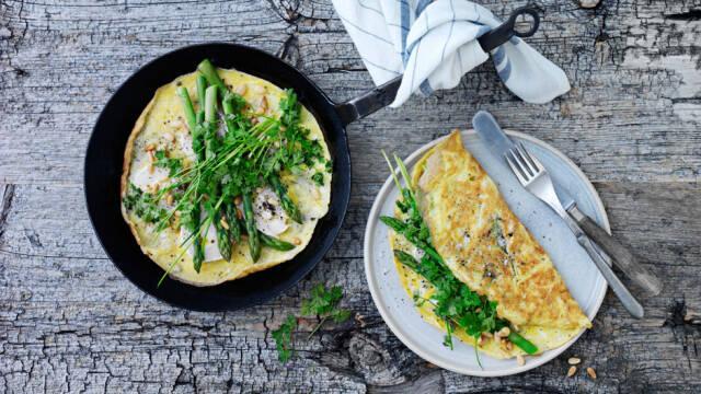 Billede af omelet med grønne asparges