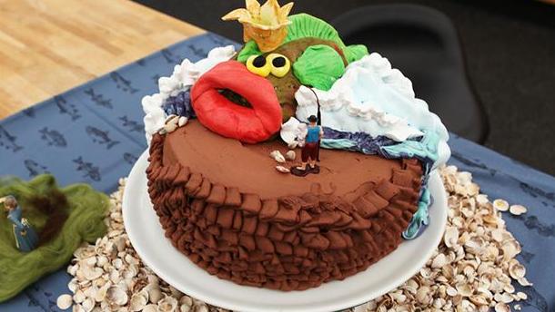 Konen i muddergrøften-kage stopfyldt med chokolade