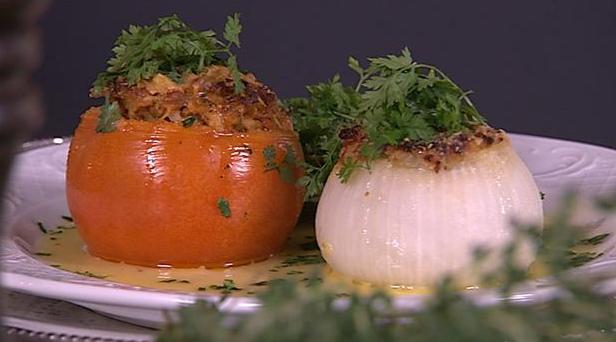 Billede af farserede grøntsager med sauce nage