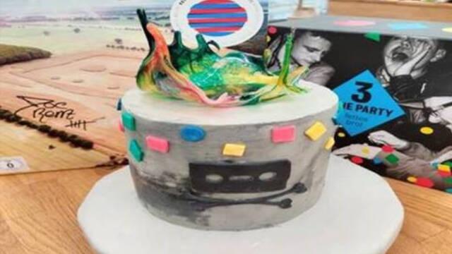 Farverig kage med isomalt og fondant