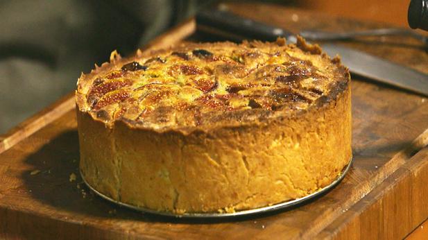 Figentærte med friske figner og pistacienødder