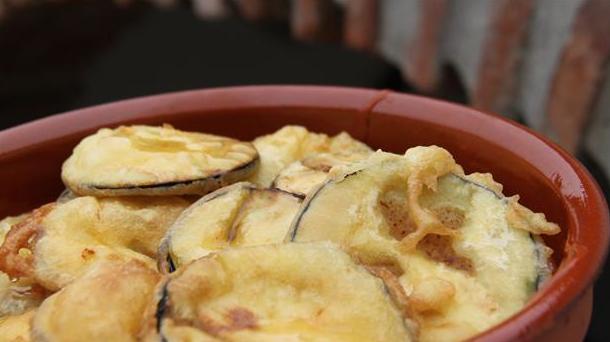 Billede af friterede auberginer med honning