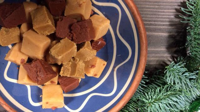 Fudge med karamel, lakrids og chokolade