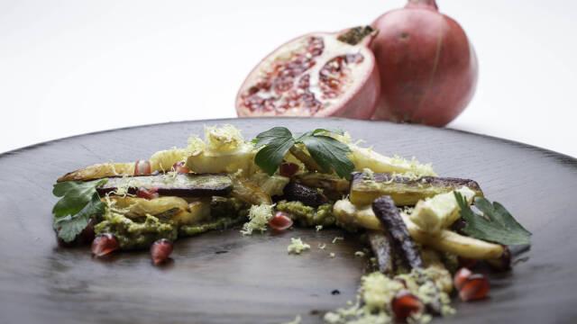 Stegte sellerifritter med pistaciesmør