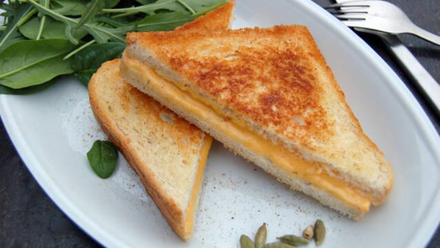 Sprød og gylden toast med ost