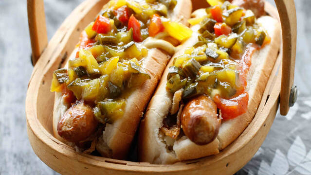 Hjemmelavet relish til hotdogs