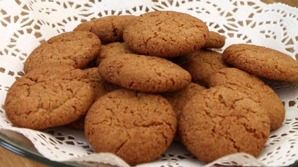 Billede af gyldne småkager med ingefær