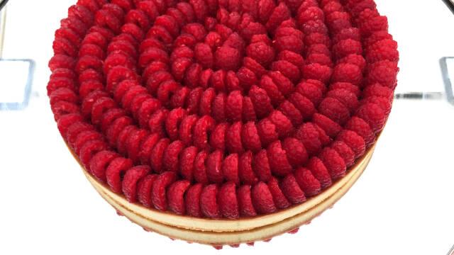 Tærte med vanilje og hindbær