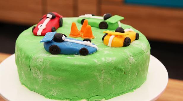 Jan Magnussen-fødselsdagskage med racerbiler