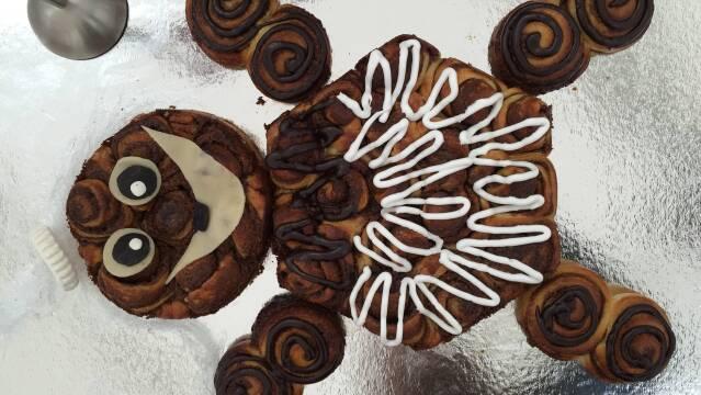 Billede af kagetrold af kanelsnegle til en børnefødselsdag