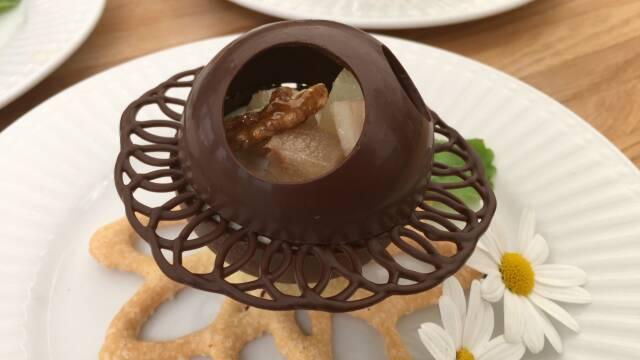 Billede af flot chokoladedessert med elementer af velkendte mormorklassikere