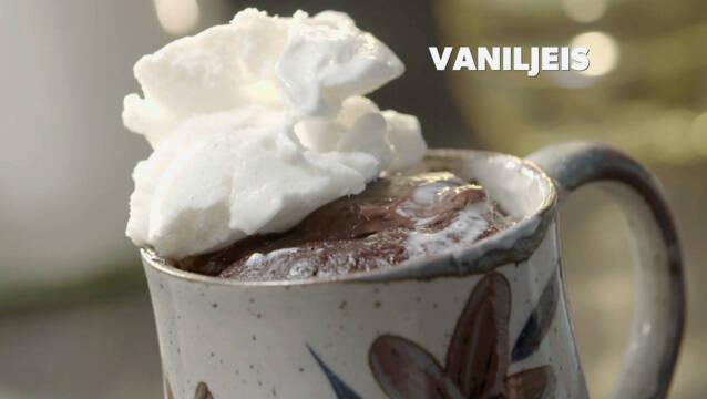 Kakaokage med vaniljeis