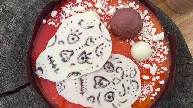 Billede af flot kage lavet til den mexicanske helligdag  'Dias de los Muertos'