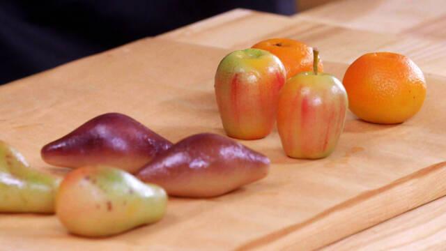 frugter formet i marcipan