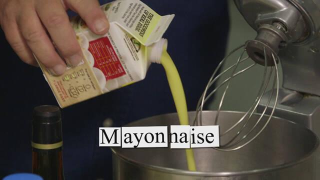 Billede af hjemmerørt mayonnaise.