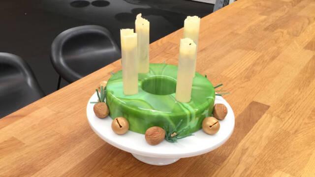 Adventskrans lavet af kage
