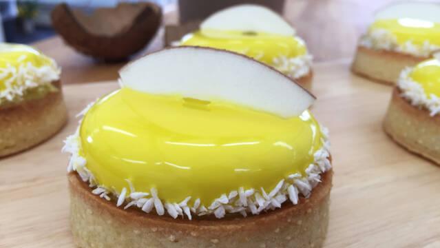 Små tærter med kokos og mango