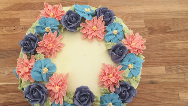 blomstret kage