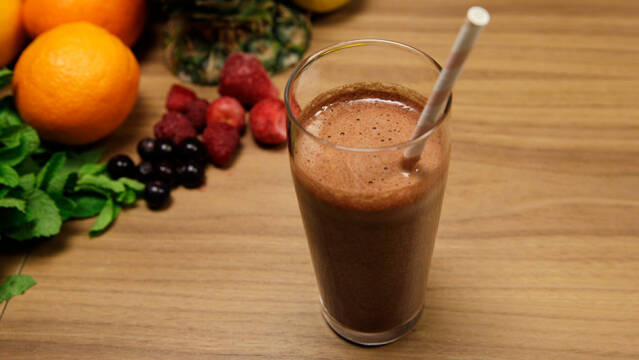 Chokolade-smoothie med kakao og banan