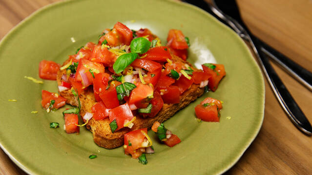 Tomatsalsa med chili, citron og basilikum