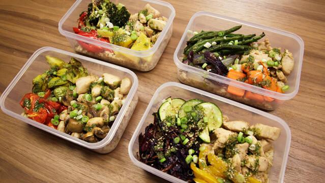 Food Prep Stegt Kylling Med Fuldkornsris Og Bagte Grøntsager