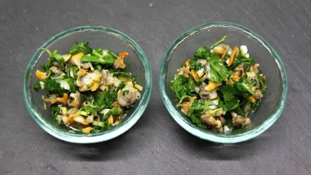 Muslingesalat i små skåle